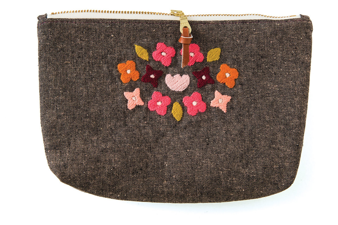 Revive your love for hand stitching with 30 fresh embroidery designs! Showcase your needlework on 5 pretty, practical projects—a drawstring bag, clutch, flex case, change purse, or zipper pouch. Learn beginner to advanced embroidery one stitch at a time, testing your thread choices in a lively sampler notebook on textured fabrics like chambray, yarn-dyed linen, and canvas. Each project is shown with 6 unique motifs and color stories to inspire your own artistry.