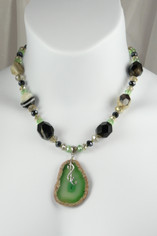 Green Agate Pendant and Agate Beads Necklace