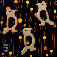 Wood Bird Teether Raven/Parrot