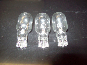 3 Hoover Vacuum Cleaner Replacement Light Bulbs Elite, Supreme, Runabout