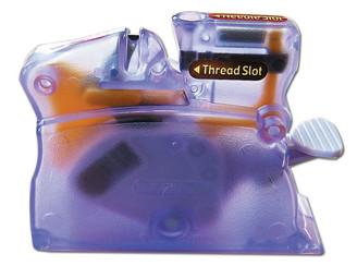Clover Desk Needle Threader Purple #4071 Moda