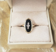 YELLOW GOLD ONYX RING