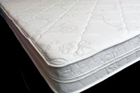 "Luxury Deluxe  8"" Memory Foam Mattress 38""x80"""