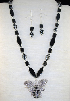 "Full view of this 23"" necklace set"