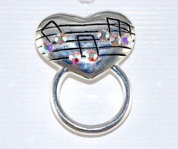 Musical Notes Heart Reader pin frontal view