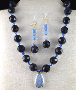Custom hand/knotted Necklace Set