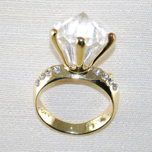 "Engagement ring spectacle/ reader pin ""holder"""