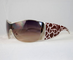 3/4 view of Dark Giraffe sunglasses