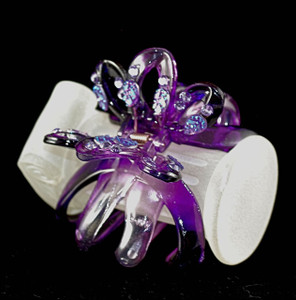 3/4 front of transparent purple clip