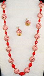 Full view of vintage fabric beads,necklace set