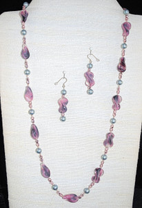 Full view of Vintage beads in recycled new necklace set!