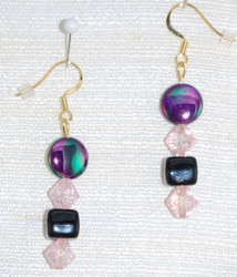 Drop earrings detail