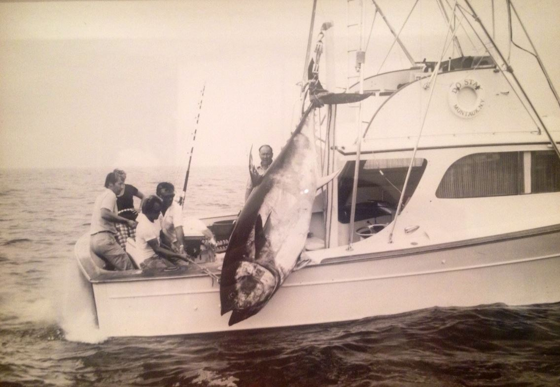 old-fishing-photos-giant-bluefin-tuna-merritt-boats-jason-mathias-art-do-stay.jpg