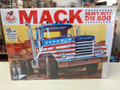 899 Mack Heavy Duty DM 800