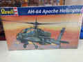 5443 AH-64 Apache Helicopter