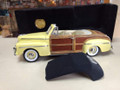 46 Ford Sportsman Yellow convertible 1/18