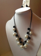 Pearl and Black Jewel Necklace Set