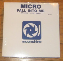 MICRO - Fall Into Me