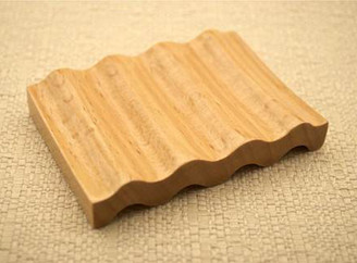 Curved Grooved Small Soap Dish