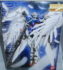 Gundam Master Grade: Wing Gundam Zero