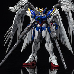 Gundam Master Grade: Wing Gundam (EW) 1/100 Hi-Resolution Model Kit