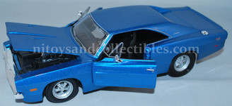 Diecast Vehicles: 1969 Dodge Charger R/T 1:24 Scale Vehicle