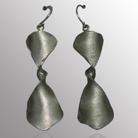 Silver drop earrings.  16X46mm.