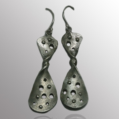 Silver drop earrings.  13X36mm.