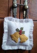 Door,Hanger,December,Bells,pattern,designer,Julie,Vigna,Designs,kit,Auntie,Jus,Quilt,Shoppe