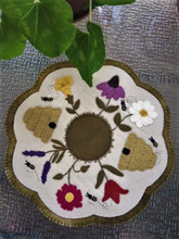 Dees,Garden,JPV,Designs,pattern,wool,appliqué,kit,Auntie,Jus,Quilt,Shoppe