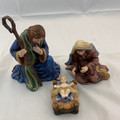 2001 THOMAS KINNLADE (HAWTHORNE VILLAGE) 3 PIECE NATIVITY SCENE SET