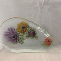 LATE MID 20TH CENTURY ENGLISH CHANCE FLORAL ANEMONE TEARDROP GLASS DISH WITH GOLD GILT EDGE