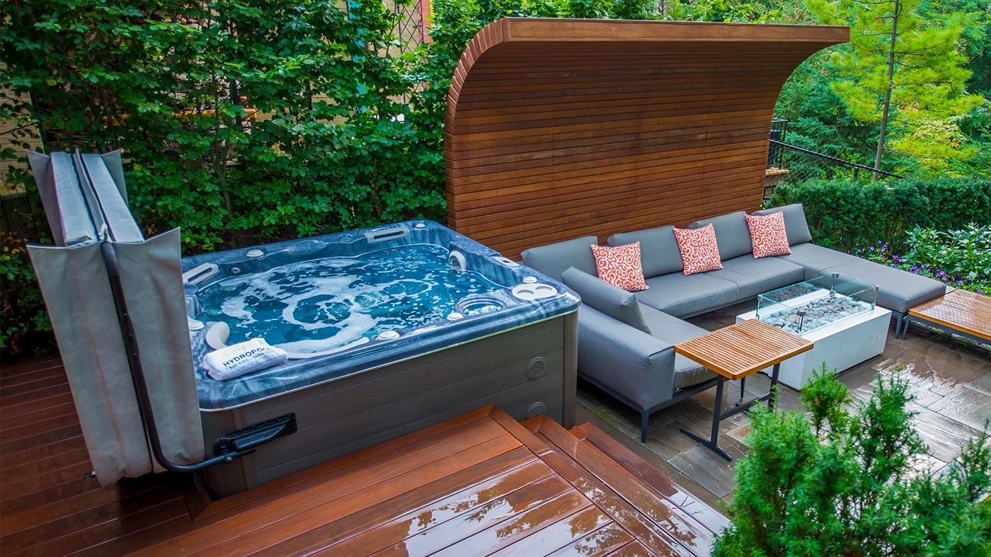 hot-tub-cover-lifter.jpg