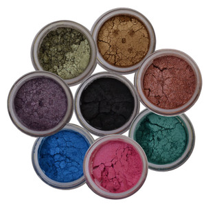 beautiful 8 colors eye shadows for 6 application.