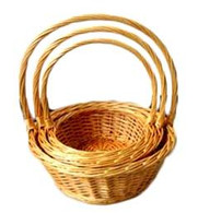 "S/3 Round willow baskets w/handle $11.90 ea  (min 2 , 16/crtn) Large:14""Dx5.5""Hx15.5"" Medium: 12""x4.5""HX13.5""H Small: 10""x4""Hx12""H"