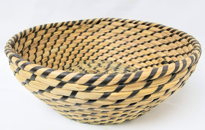 "Medium in Set of 4 Round Black & Natural seagrass & straw baskets  M: 10""Dx3.2""H"