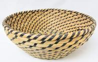 """Medium in Set of 4 Round Black & Natural seagrass & straw baskets  M: 10""""Dx3.2""""H"""