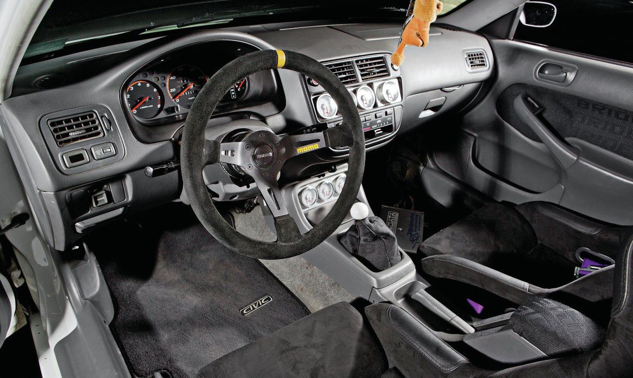 Momo R1905//35S Steering Wheel MOD 07 Black Suede