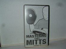 MASTERING THE MITTS Boxing W/ BROWN    (VHS VIDEO)
