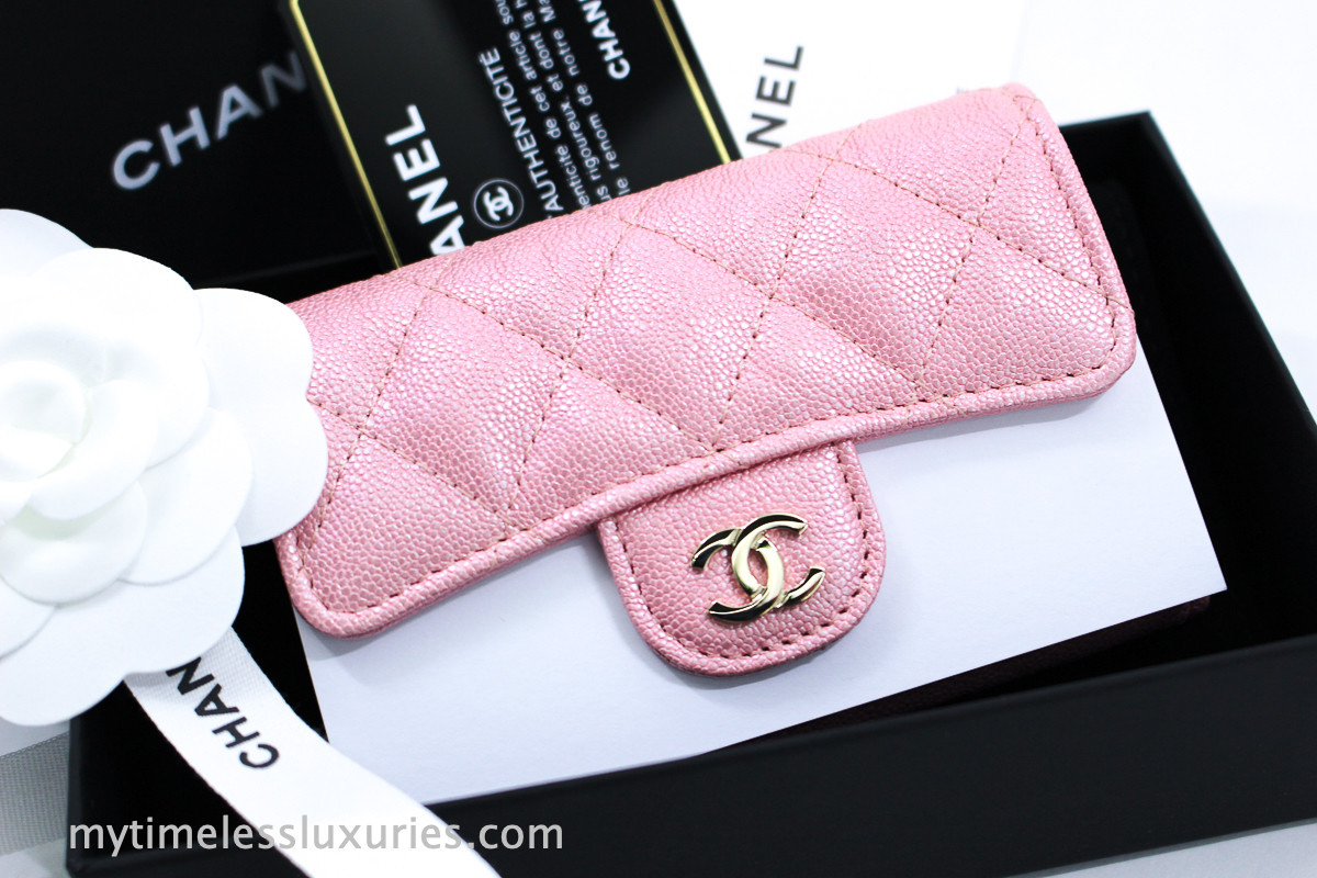 135bc403351b4a CHANEL 19S Iridescent Pink Caviar Flap Card Holder #27xxxxxx *New -  Timeless Luxuries