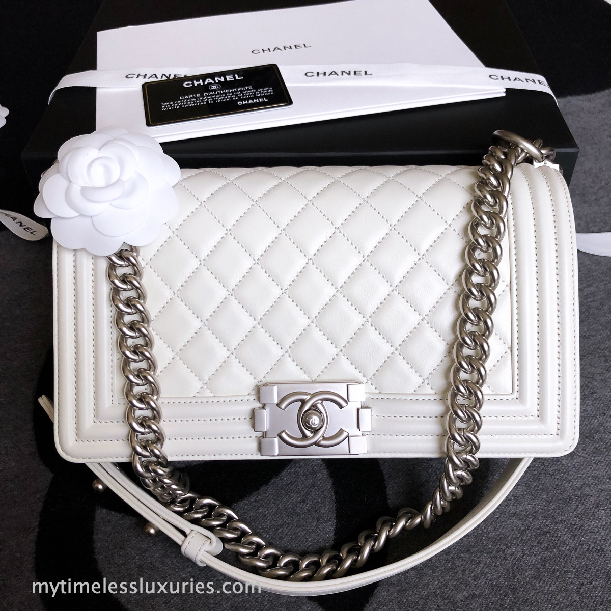 6257c58e21b3 CHANEL 15C Ivory White Quilted Boy Flap Bag Matte Silver Hw ...