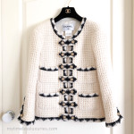 CHANEL 15A Metiers d'Art Salzburg Tweed Ecru Jacket Lion Buttons 38 FR