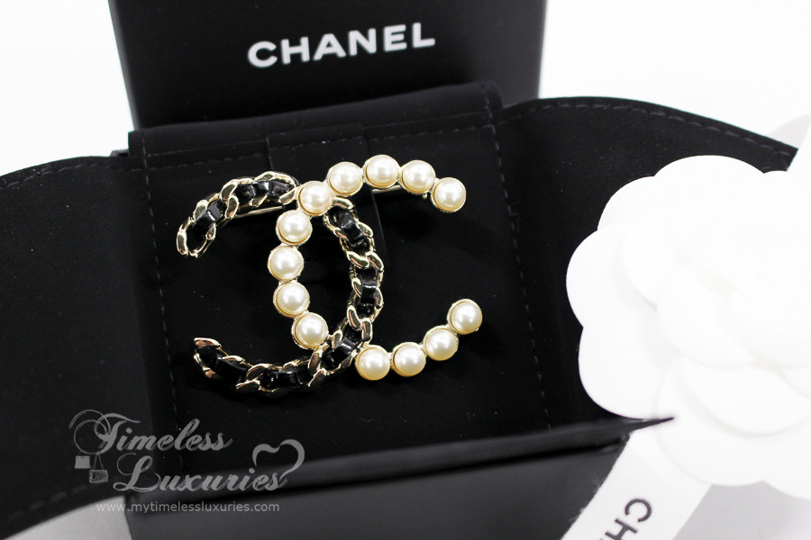 67b8f558b85f CHANEL Iconic Interlaced Leather and Pearls CC Brooch Lt Gold Hw ...