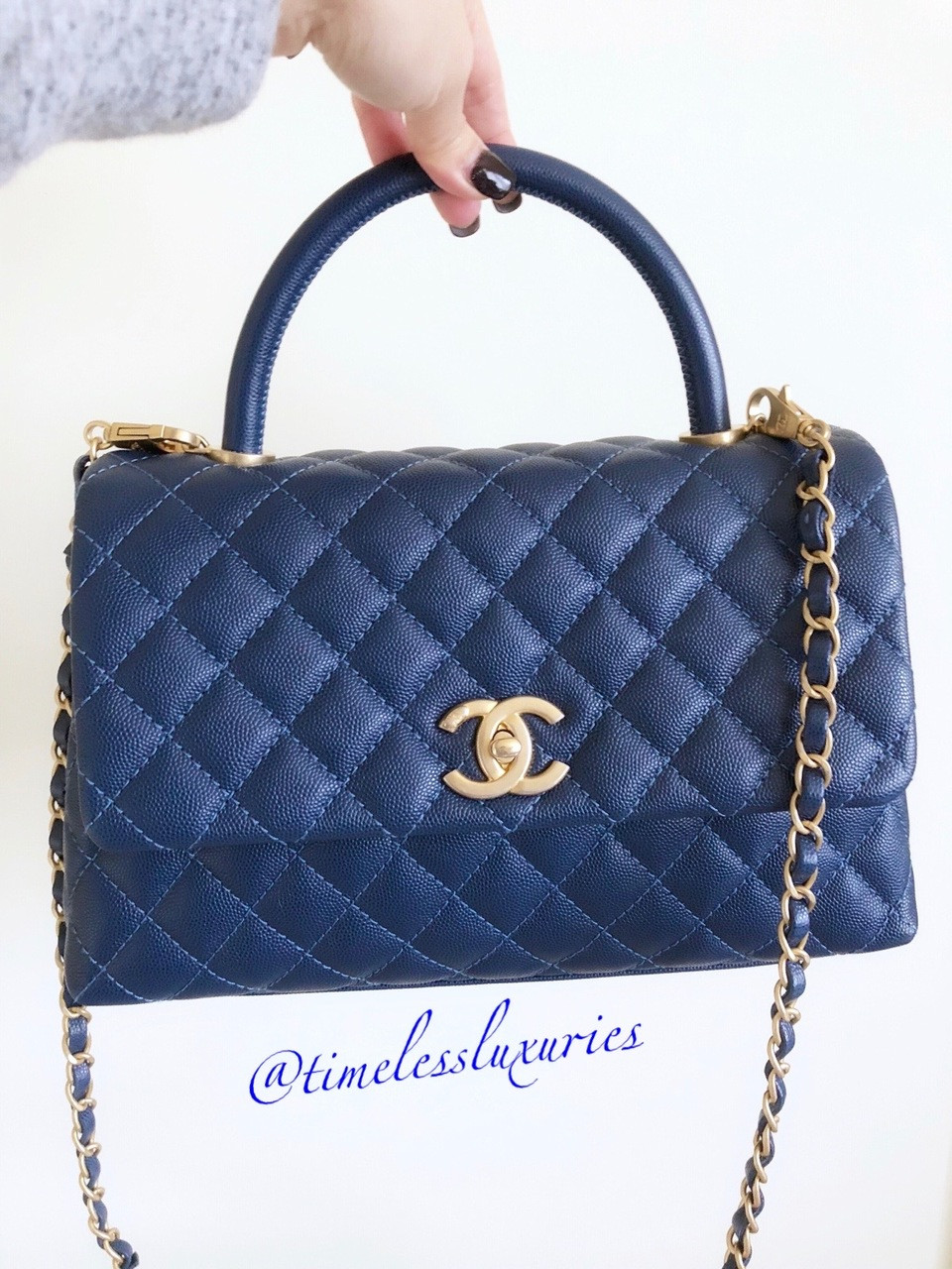 1cc6ea0fd7e6 CHANEL 2018 Blue Caviar Coco Handle Bag Gold Hw #25709771 - Timeless ...