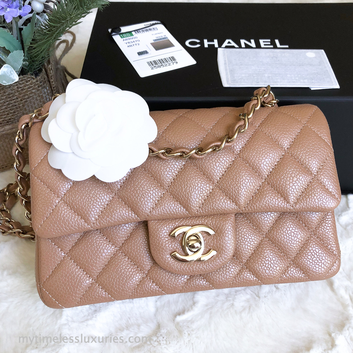 041a8a587967 CHANEL 18S Pearly Beige Caviar Rectangle Mini Light Gold Hw ...