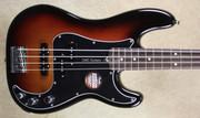 Fender American Standard 2016 Limited Edition PJ Bass 3 Tone Sunburst