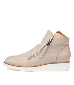 OHMY Sneakers in Nude Leather