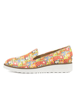 OLUS Flatforms in Doll Print Leather