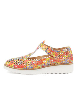 OSHLEY Flatforms in Doll Print Leather