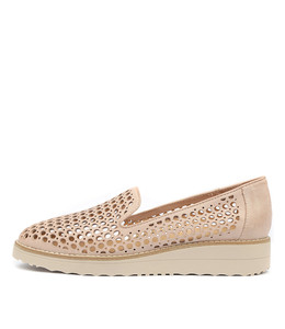 OSTA Flatforms in Nude Leather/ Nude Sole